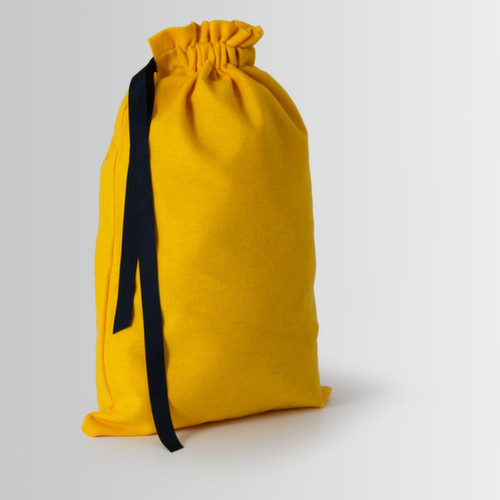 Bag with candy closure and single attachment with black ribbon